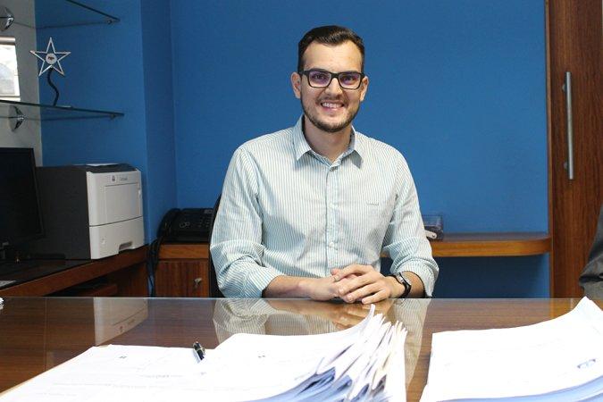O vereador Alcântaro Filho explica seus projetos, comenta sua proposta para a juventude e avalia desafios e soluções