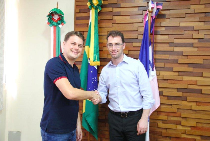 Lorencini assume posto de líder de governo