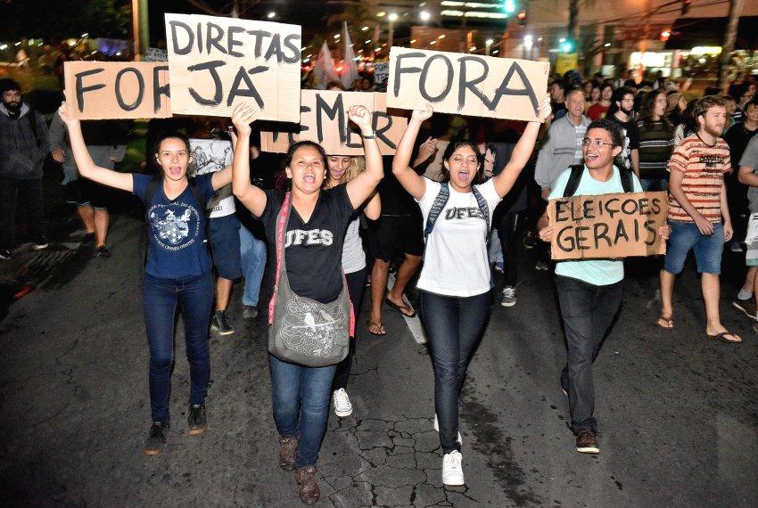 Grupo foi às ruas em Vitória para pedir saída de Temer e eleições diretas