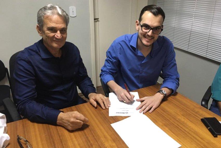 Assinada a ordem de serviço da obra na avenida no Guaxindiba
